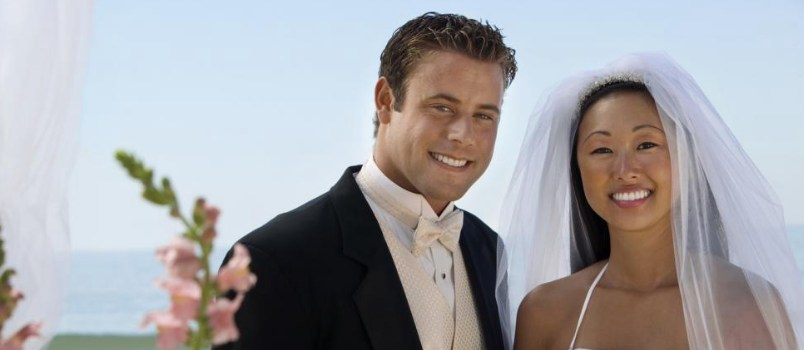 Ultimate Guide for Men to Pen the Best Romantic Wedding Vows