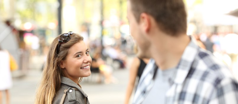 The Top 6 Female Gestures That Indicate a Girl Likes You