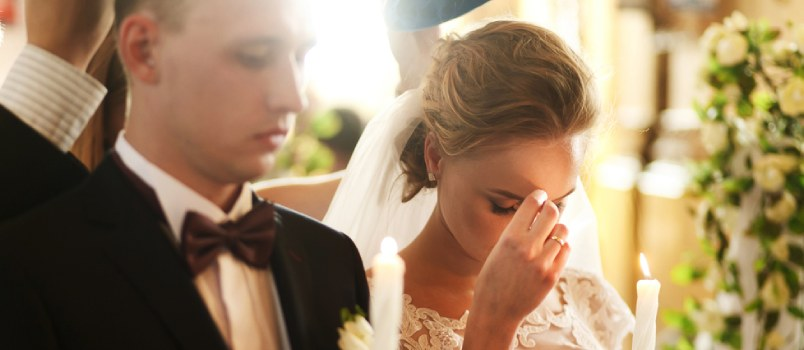 Couples who find serenity in spending time in prayers