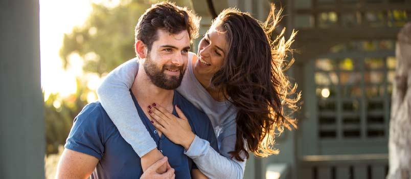5 characteristics of happy couples