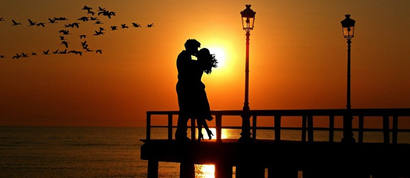 Benefits of an Emotional Connection Between Two Loving Partners
