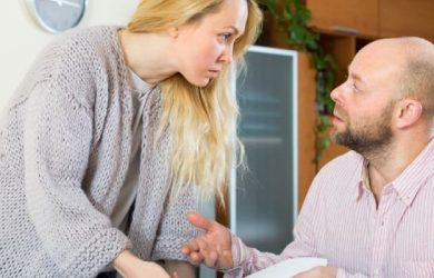 8 Red Flags of Financial Infidelity and How to Deal with It