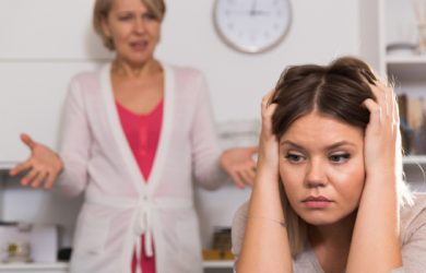5 Helpful Tips on How to Handle Your Over-Controlling Mother-In-Law