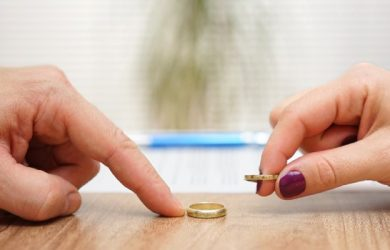 Certain cases where divorce lawyer is not required