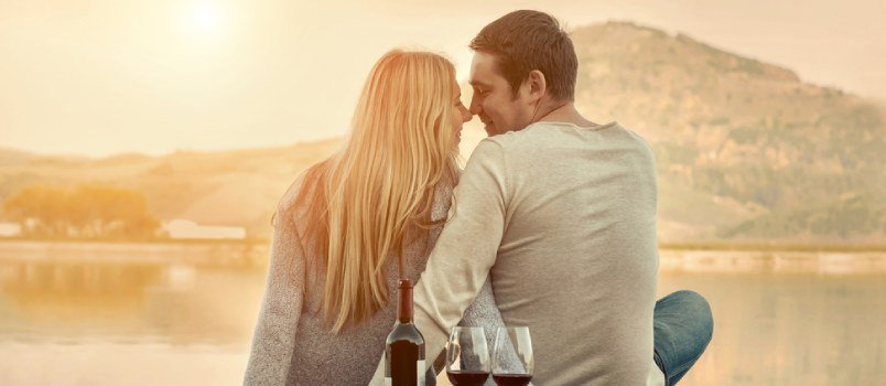 Romantic Actions for Him – 8 Ways to Romance Your Man