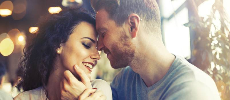 The Key Differences Between Romance and Intimacy