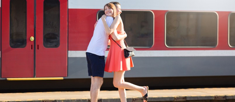 Things to Keep in Mind Before Reuniting with First Love