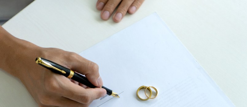 What Is the Cheapest Way to Get a Divorce
