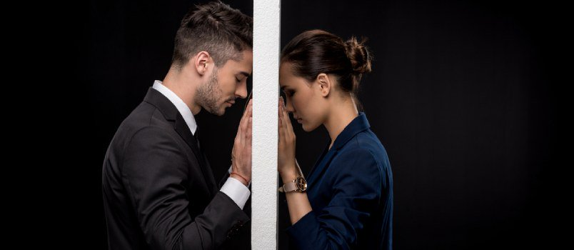 Infidelity That Lies Behind Small Lies - How It Can Wreck a Relationship