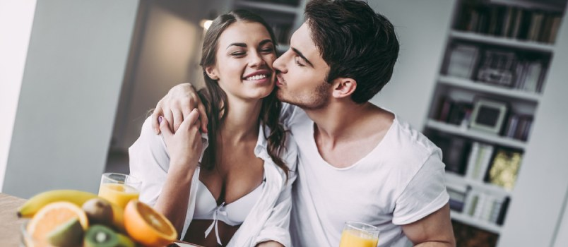 5 Signs a Man Is Falling in Love – a Quick Guide