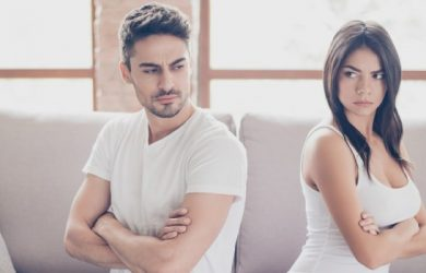 Why You Shouldn't Ignore the Relationship Red Flags Irrespective of How Compatible You Are