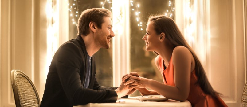 Romantic ideas for her at home