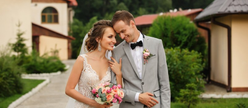 Here's Why a Wedding Planning Timeline Eases You Out
