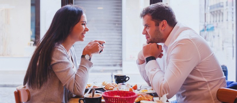 12 Topics on What to Talk About on a First Date