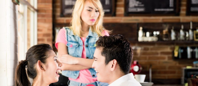 How to make a girl jealous who rejected you