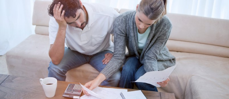 How Financial Difficulties Affect Marriage - Ways to Overcome