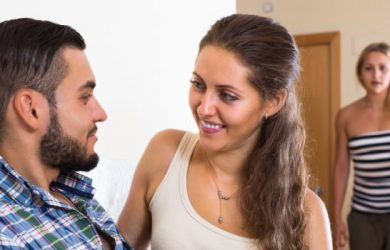 How to Catch a Cheater:15 Ways to Catch Your Cheating Spouse