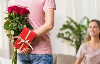 7 Most Precious Gifts for Your Fiancé