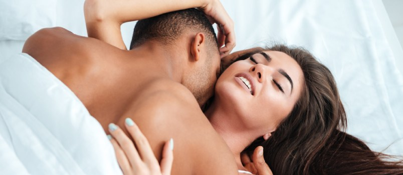 4 Must-Know First Time Sex Tips for Women