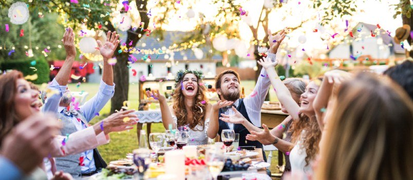 """Summer Vs. Fall Weddings- Is There a """"better"""" One?"""