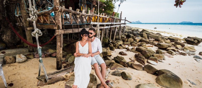 6 Honeymoon Planning Tips for Creating the Trip of a Lifetime