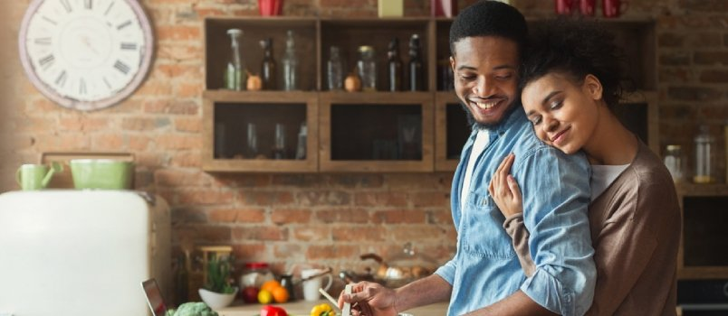 7 Ways to Maintain Romance With Husband After Marriage