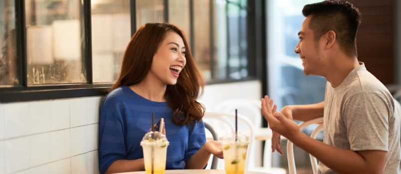 21 Questions to Ask a Girl to Spark an Engaging Conversation