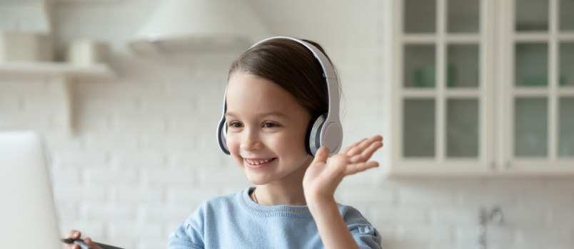 8 Tips for Long Distance Parenting to Stay Connected to Children