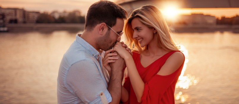 How to Make Your Partner to Fall in Love With You Forever?