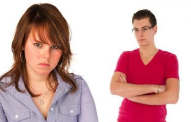 5 Reasons Not to Marry Your College Love
