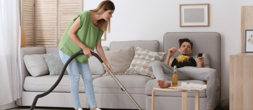 Signs of a Lazy Husband and How to Deal With Him