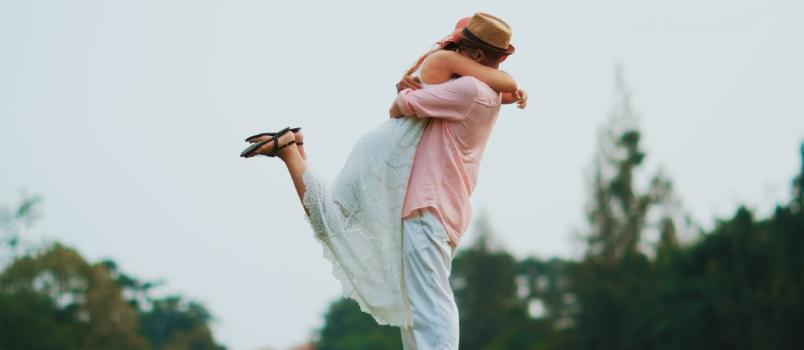 Meaning side hug Need help