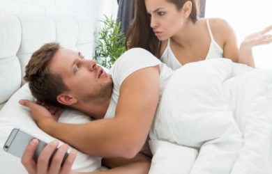 10 Signs Your Husband Is Cheating Online