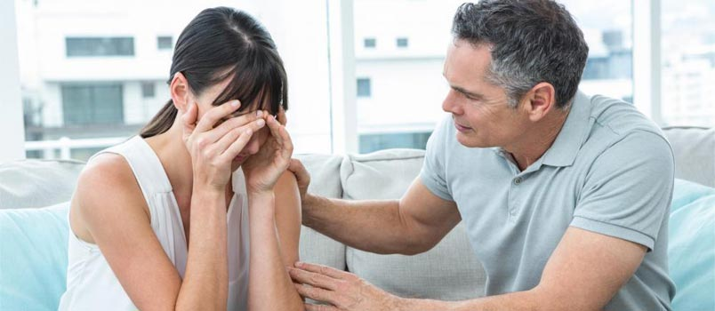 6 Ways To Help Your Spouse Mourn The Loss Of A Loved One