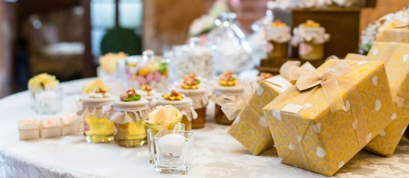 Wedding Gift Amounts: Attending A Greek Wedding? Know What To Gift The Wedding