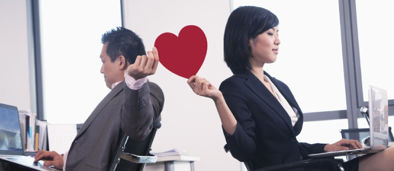 Tips on Dating in the Workplace