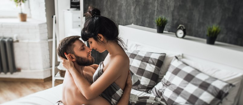 Sex tips for women things a woman can do to spice up the - Spicing up the bedroom for married couples ...