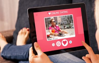 5 Online Dating Tips for Seniors