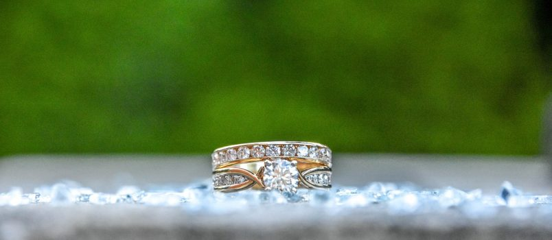 How-to-Pick-Engagement-Ring-For-Your-Engagement