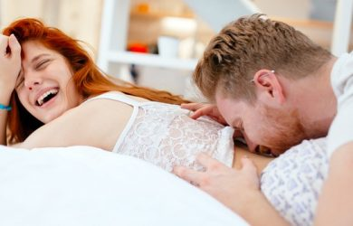 Men Reveal the Subtle Things Women Do That Turns Them on like Mad