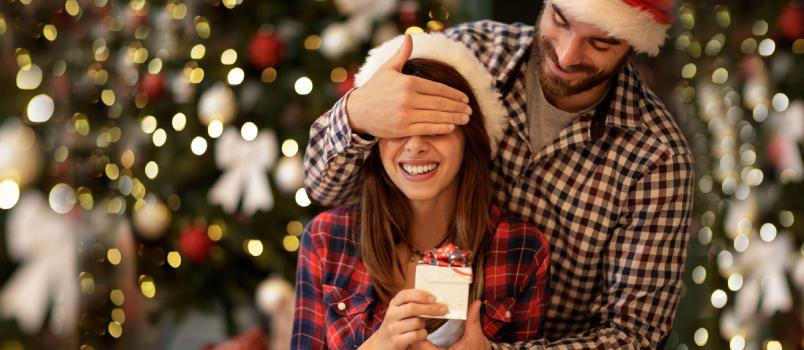 6 Beautiful Christmas Gift Ideas for the Love of Your Life
