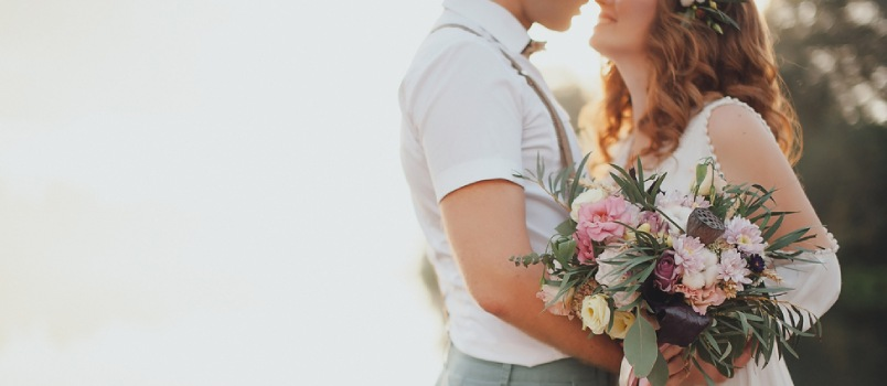 The individual should be able to freely discuss his abilities when it comes to the planning of the wedding