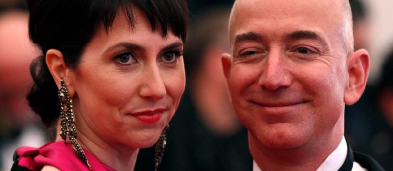 Amazon's Bezos and Mackenzie Tweets About Divorce After 25 Years of Togetherness