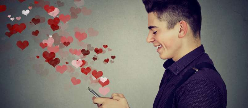 The Real Story Behind the Online Relationship Paradox