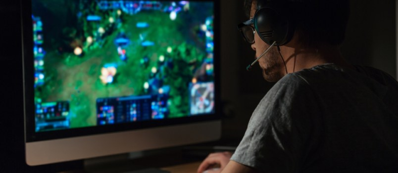 Is the Rise of Online Gaming Affecting Modern Marriage