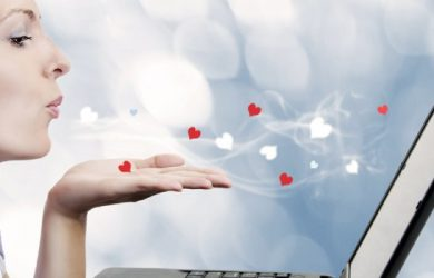 6 Useful Tips for Women to Help Them Find the Ideal Partner Online