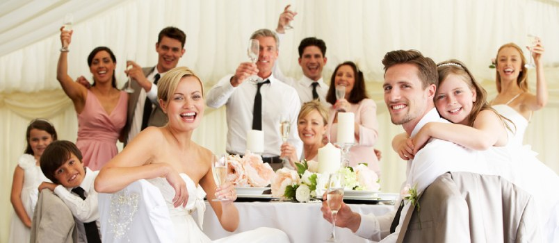 9 Ways to Delight Your Wedding Guests