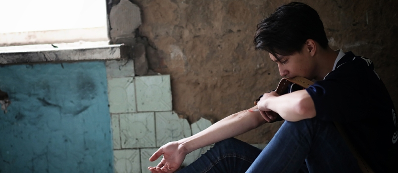 4 Signs of a Teen's Drug Use and How Parents Can Help