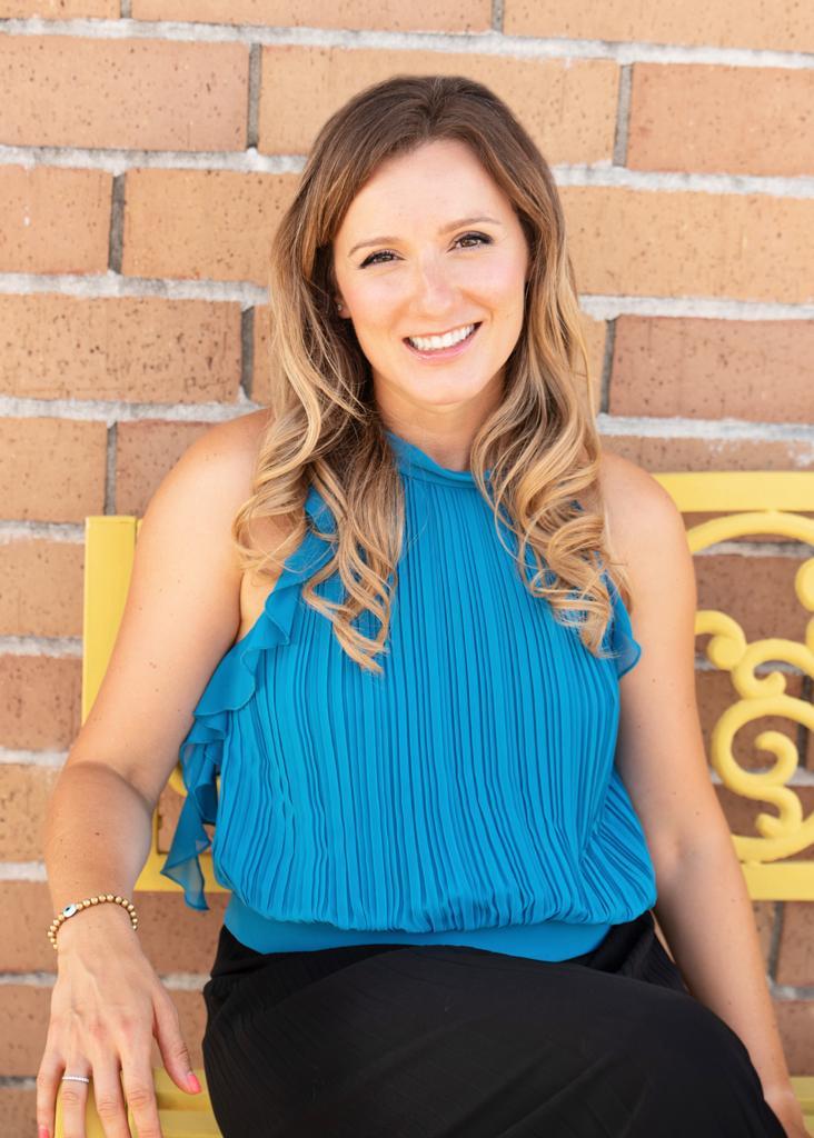 Ioana Avery, Marriage & Family Therapist Associate in Abbott, TX